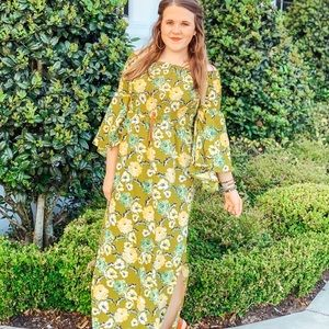 Dresses & Skirts - Green off the shoulder floral maxi dress side slit
